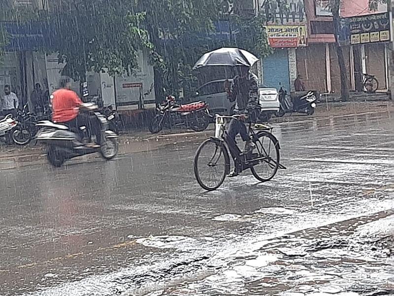 Jhabua : राहत की बारिश अंचल को करने लगी तरबतर, किसानों के चेहरों पर लौटी रौनक