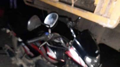 UP : अलीगढ़ के पास जवां क्षेत्र में बाइक और ट्रक की टक्कर से 3 लोगों की मौत