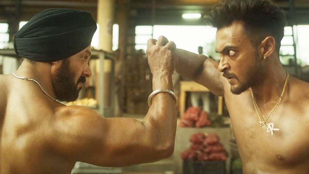 सलमान खान ने रिलीज से पहले अपने स्टाफ को दिखाई Antim, ये है वजह