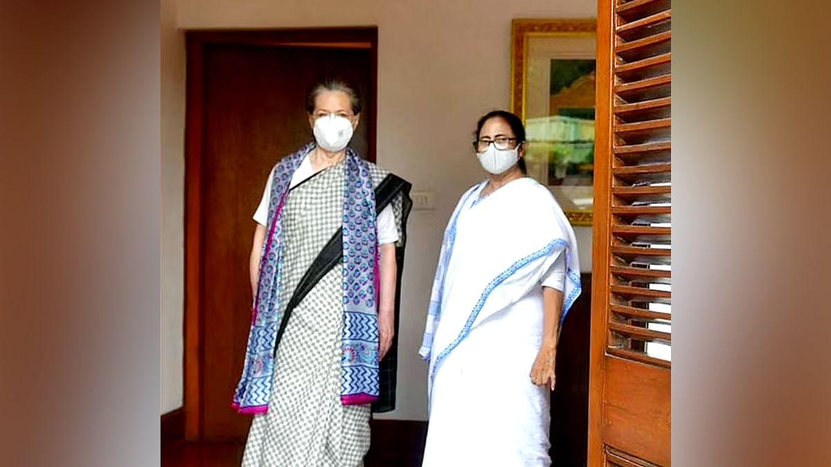 दिल्ली में बंगाल की CM ममता बनर्जी की सोनिया गांधी से मुलाकात