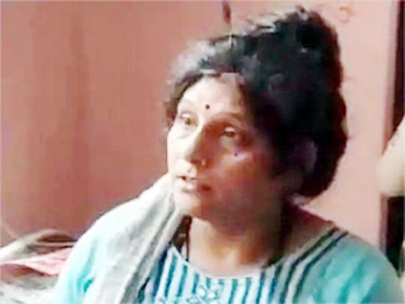 भिंड पुलिस ने योजनाबद्ध तरीके से रंगे हाथ पकड़ा महिला तस्कर को