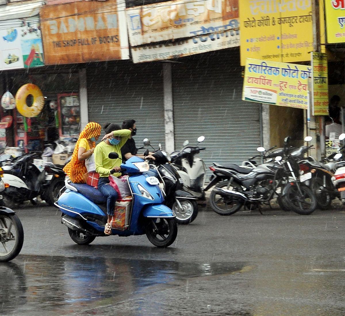 Indore : एक बार फिर पूर्वी शहर भीगा, पश्चिम सूखा रहा