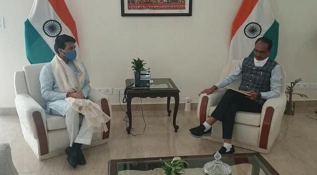 CM चौहान ने केंद्रीय खेल मंत्री अनुराग से की भेंट, इन विषयों पर किया विचार-विमर्श