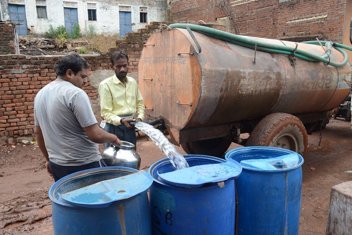 AMRUT Yojana : करोड़ों की लाइने डली पर पानी कहां से आएगा यह तो बताओ