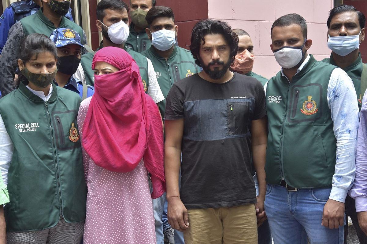 Gangster Anuradha Arrest: दिल्ली पुलिस के हत्थे लगी लेडी डॉन अनुराधा