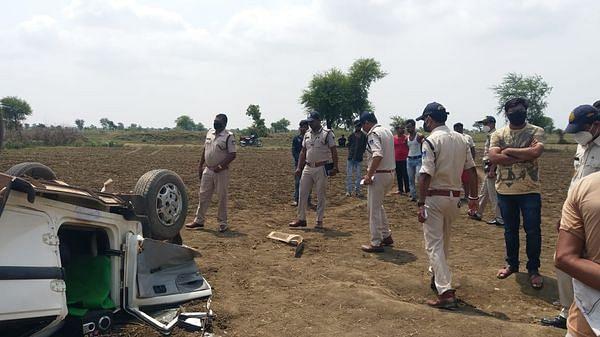Damoh: पूर्व सरपंच की गोली मारकर हत्या, गांव में फैला तनाव