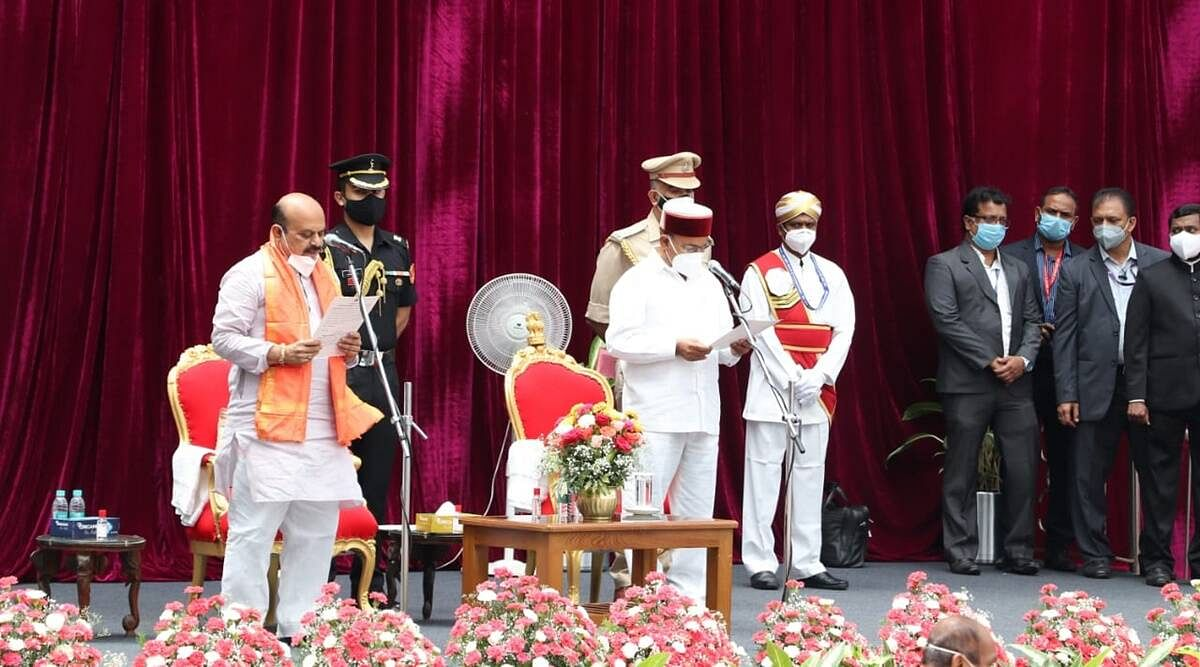 कर्नाटक में CM पद की कमान अब बसवराज बोम्मई के हाथ- आज CM के तौर पर ली शपथ
