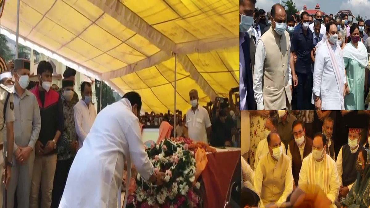 वीरभद्र सिंह के अंतिम दर्शन के लिए पहुंचे नड्डा, श्रद्धासुमन किए अर्पित