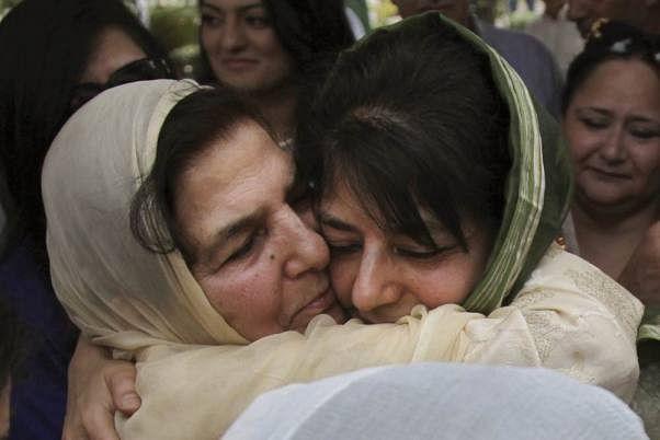 ईडी का महबूबा की मां को तलब करना, अपमानजनक और बदले की राजनीति : पीएजीडी