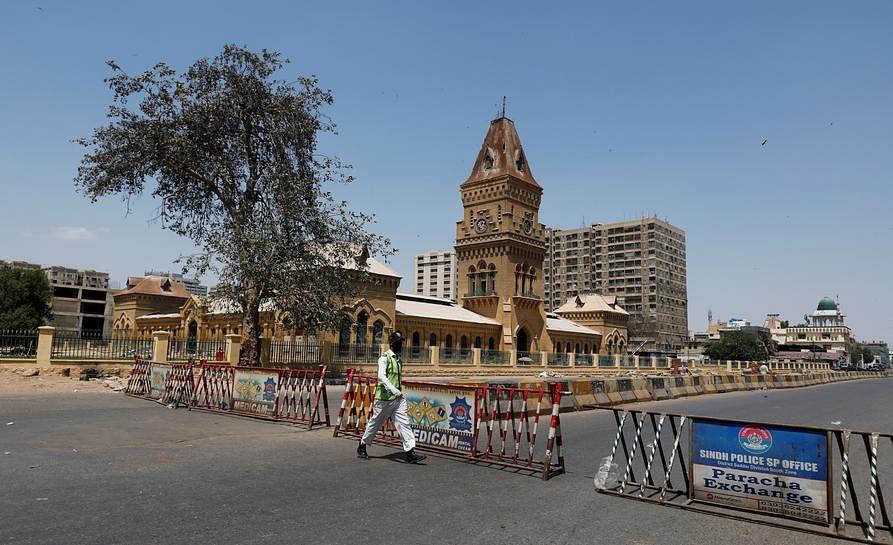 पाकिस्तान में कोरोना के 4,537 नये मामले, करांची में आठ अगस्त तक लॉकडाउन
