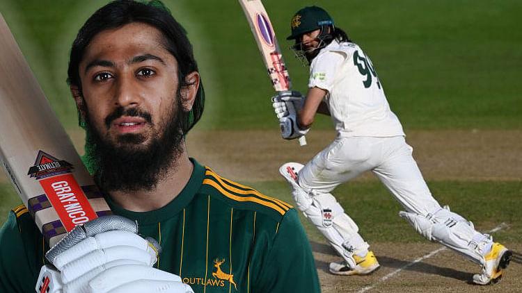 हसीब हामिद ने शतक ठोककर टीम में वापसी का मनाया जश्न