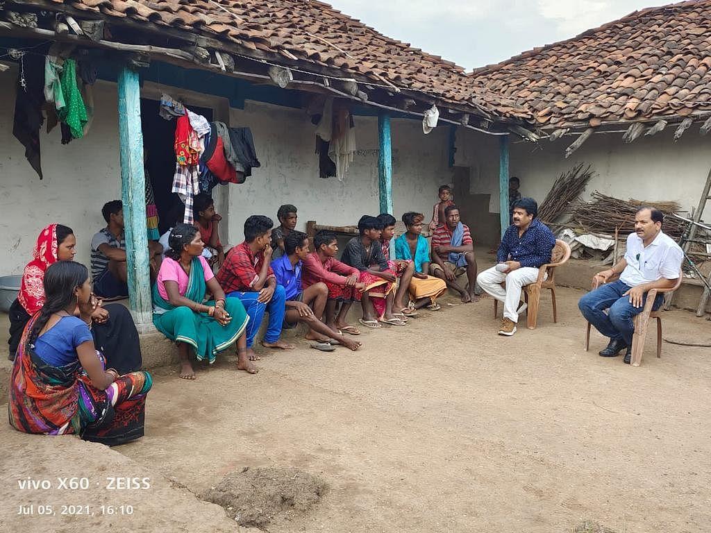 अनूपपुर : बैगा बाहुल्य ग्राम में सीईओ ने लगाई जन चौपाल