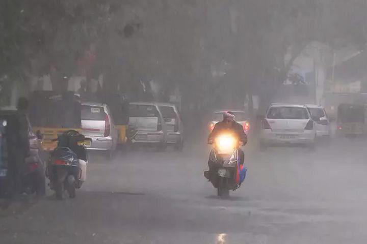सिर्फ जुलाई की बारिश ने तोड़ा दिल्ली में 18 साल का रिकॉर्ड