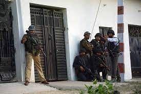 उत्तर प्रदेश: लखनऊ में पुलिस-ATS ने भारी विस्फोटक के साथ 2 आंतकी को पकड़ा