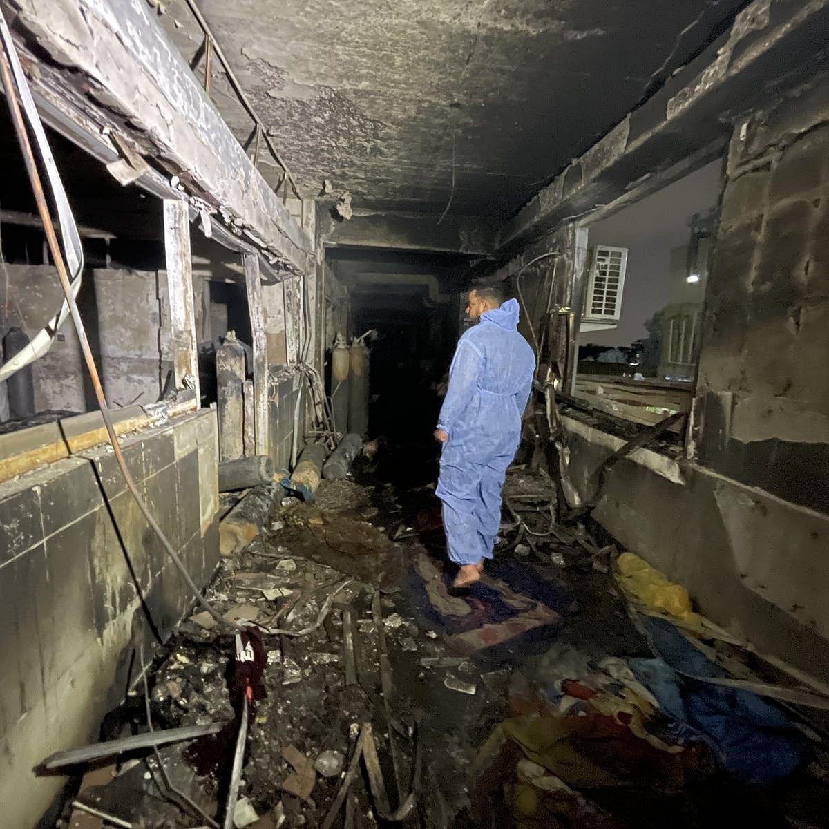 इराक में अस्पताल में आग लगने से मरने वालों की संख्या 64 हुई