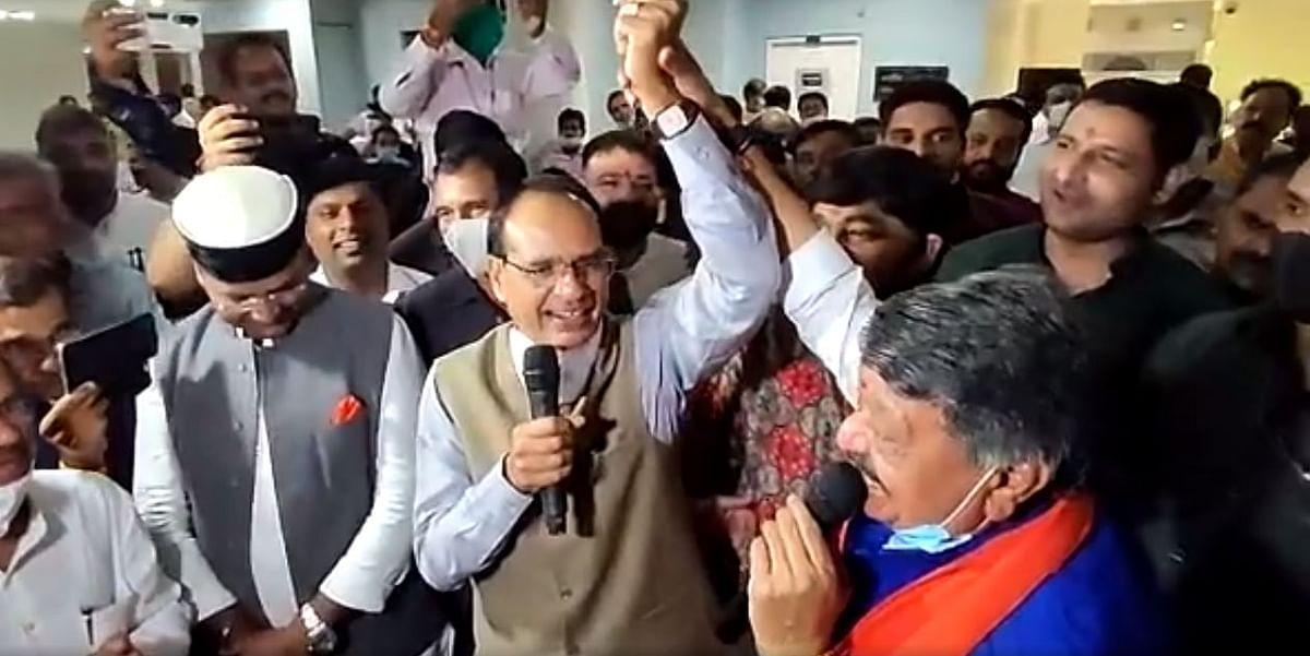 Bhutta Party : जब कैलाश और शिवराज ने मिलकर गाया- ये दोस्ती हम नहीं तोड़ेंगे...