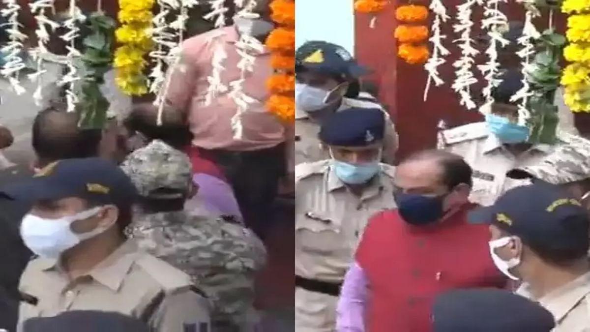 इंदौर: आशीर्वाद यात्रा के दौरान BJP नेता को धक्का देने वाले 3 पुलिसकर्मियों पर कार्रवाई
