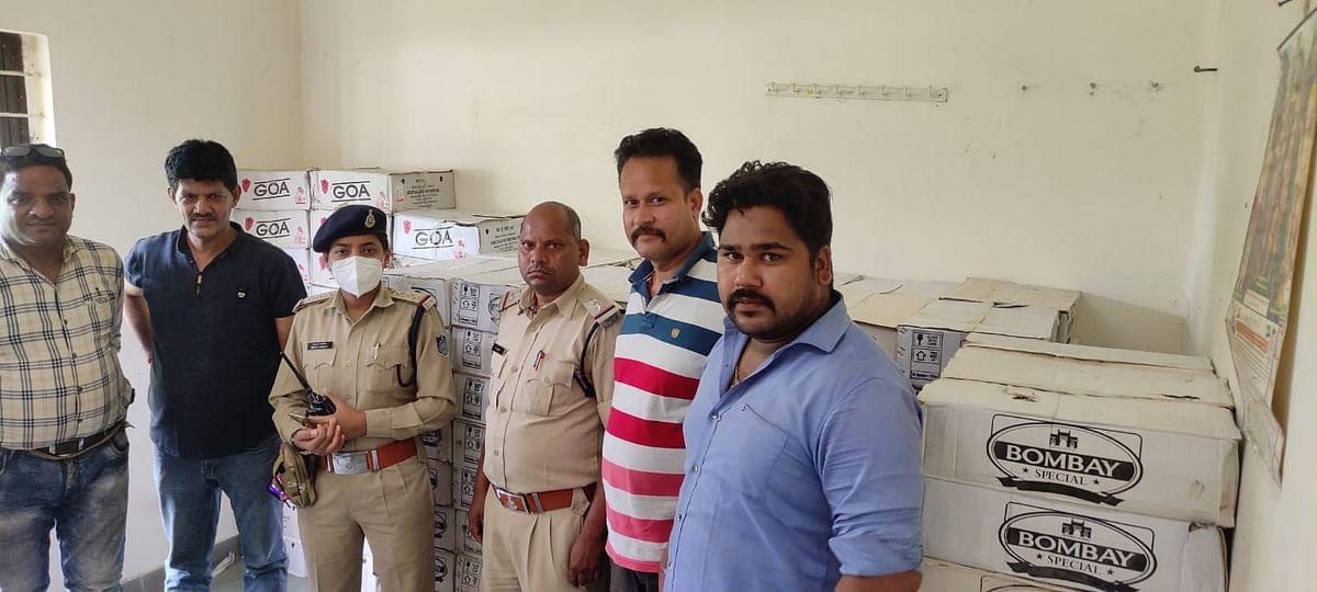 Jabalpur : अवैध शराब से भरी बुलेरो व ईको स्पोर्ट्स वाहन पकड़ाए