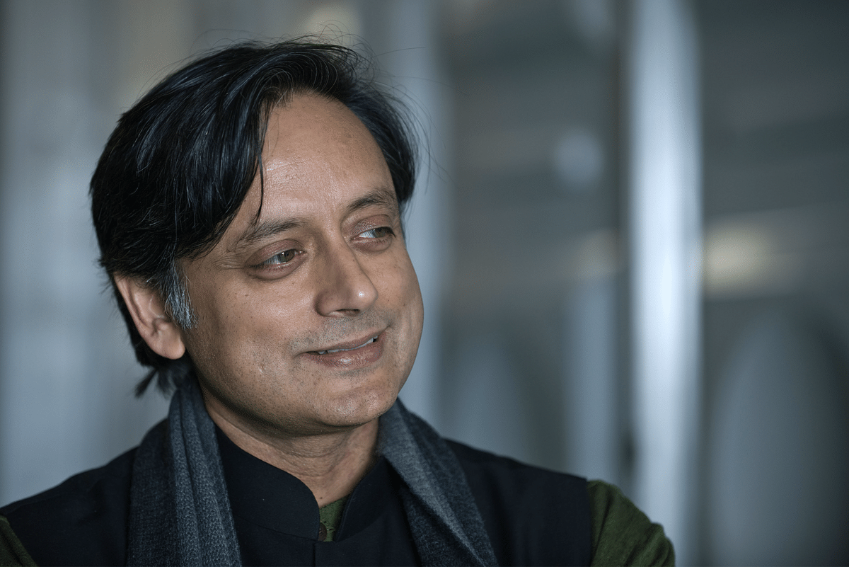 Sunanda Pushkar मौत मामला : आरोप मुक्त हुए Shashi Tharoor