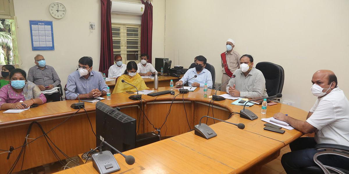 Jabalpur : स्वतंत्रता दिवस की तैयारियों को लेकर कलेक्टर ने ली बैठक