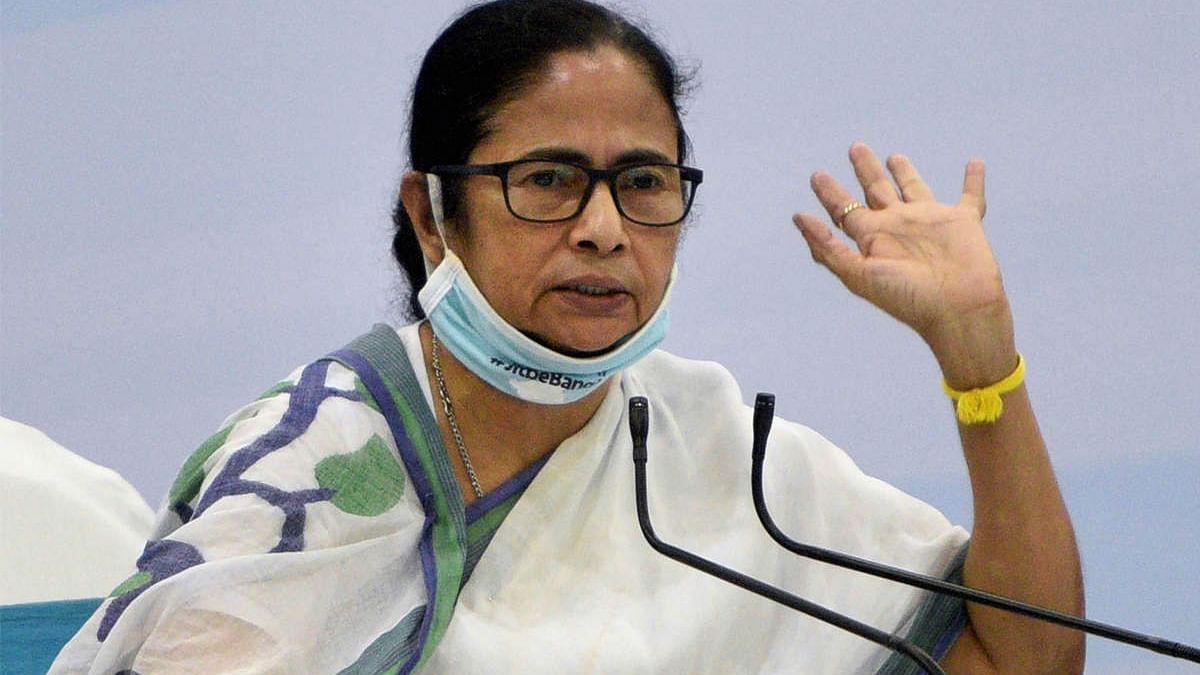 भाजपा सरकार व्यवधान पैदा करने के लिए है : ममता