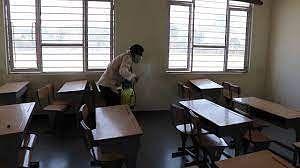 संभाग के दस हजार स्कूलों में सैनिटाइजेशन के बाद बच्चे अटेंड करेंगे कक्षाएं