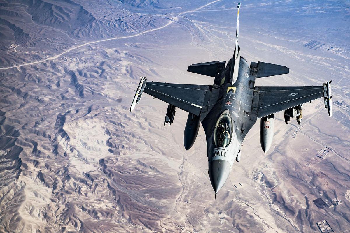 अफगानिस्तान में ISIS के ठिकानों पर एयर स्ट्राइक कर अमेरिका ने काबुल हमले का लिया बदला