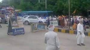 हरियाणा के करनाल में किसानों पर पुलिस ने चलाईं लाठियां