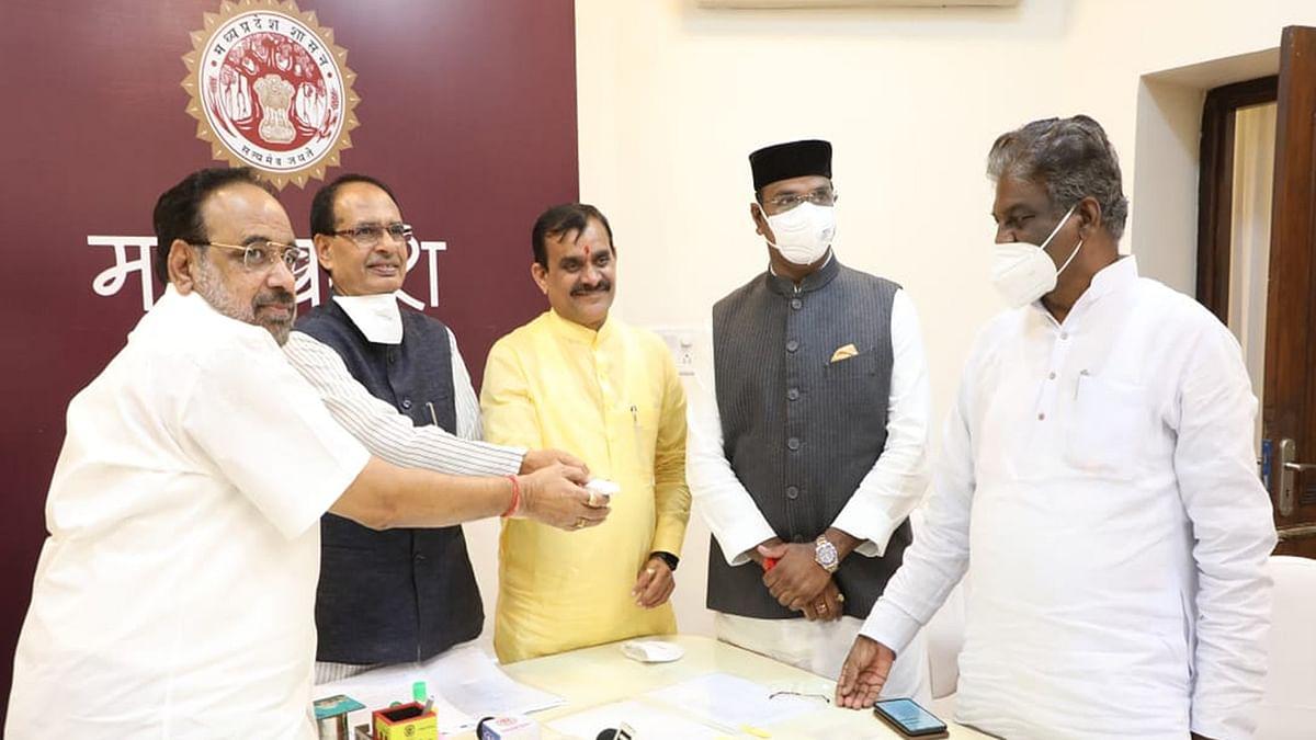 वीसी के माध्यम से CM ने एमपी के विभिन्न जिलों में ऑक्सीजन प्लांट्स का किया लोकार्पण