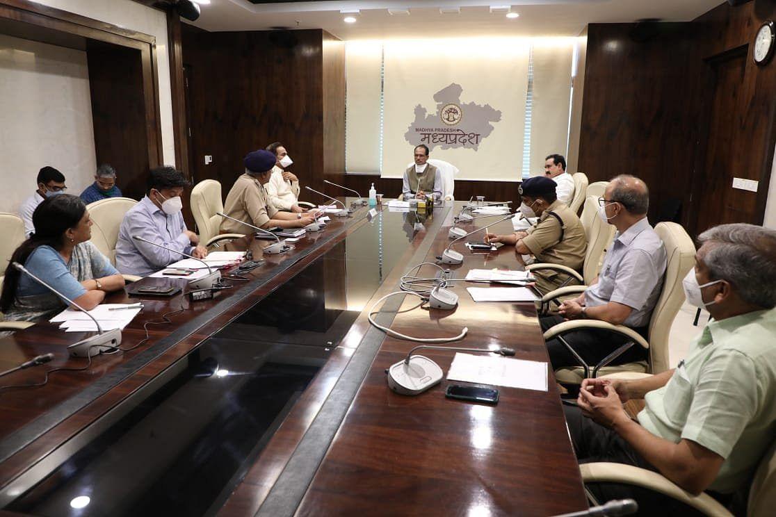 प्रदेश में कानून व्यवस्था एवं आपदा प्रबंधन को लेकर CM ने की बैठक, दिए ये निर्देश