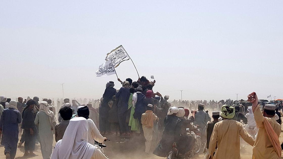तालिबान का दो और अफगान प्रांतों पर कब्जा, ईरान ने बंद की प्रमुख सीमा क्रॉसिंग