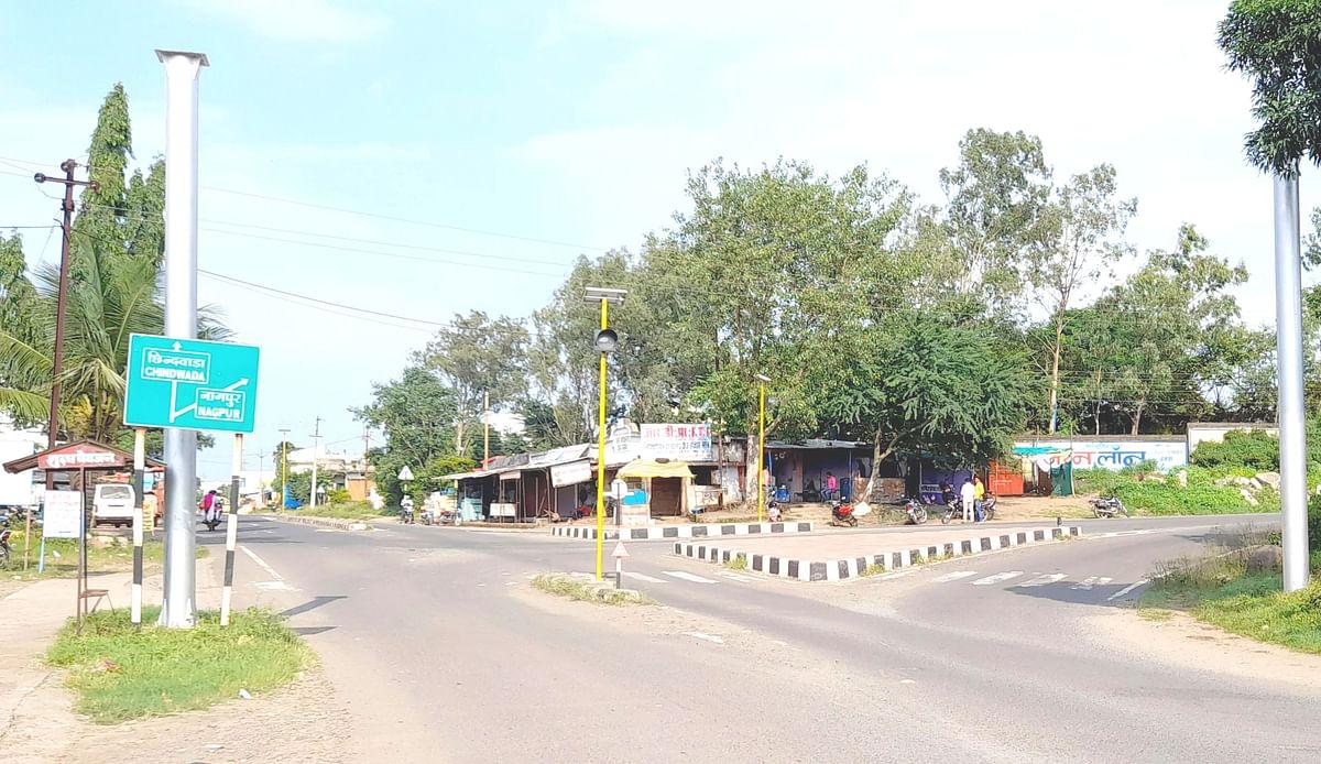 मुलताई : ग्राम कामथ में चार स्थानों पर चल रहा धड़ल्ले से जुआ, कार्रवाई की मांग