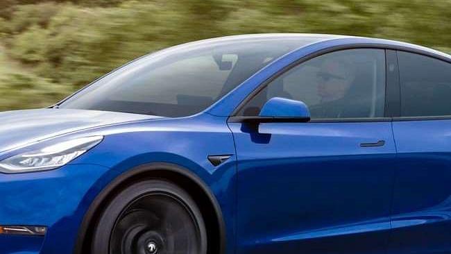 साल के अंत तक Tesla एंट्री लेवल इलेक्ट्रिक कार 'Model Y' को करेगी लांच