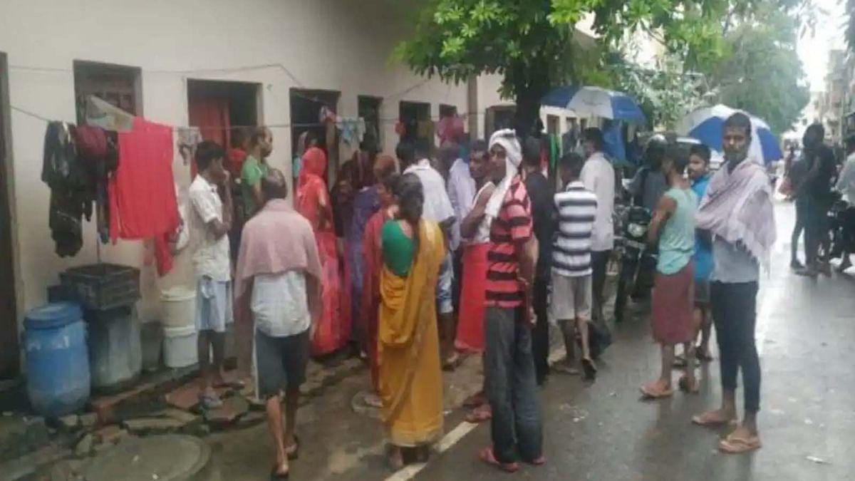 उत्तर प्रदेश के गाजियाबाद में बिजली का तार टूट के गिरने से दर्दनाक हादसा