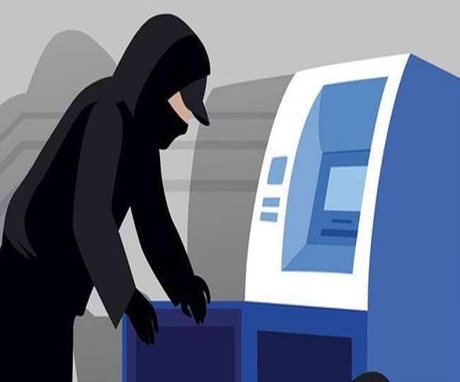 CCTV फुटेज खंगालने के बाद पकड़ में आया बदमाश, ATM बदलकर खाते से एक लाख रुपए निकाले