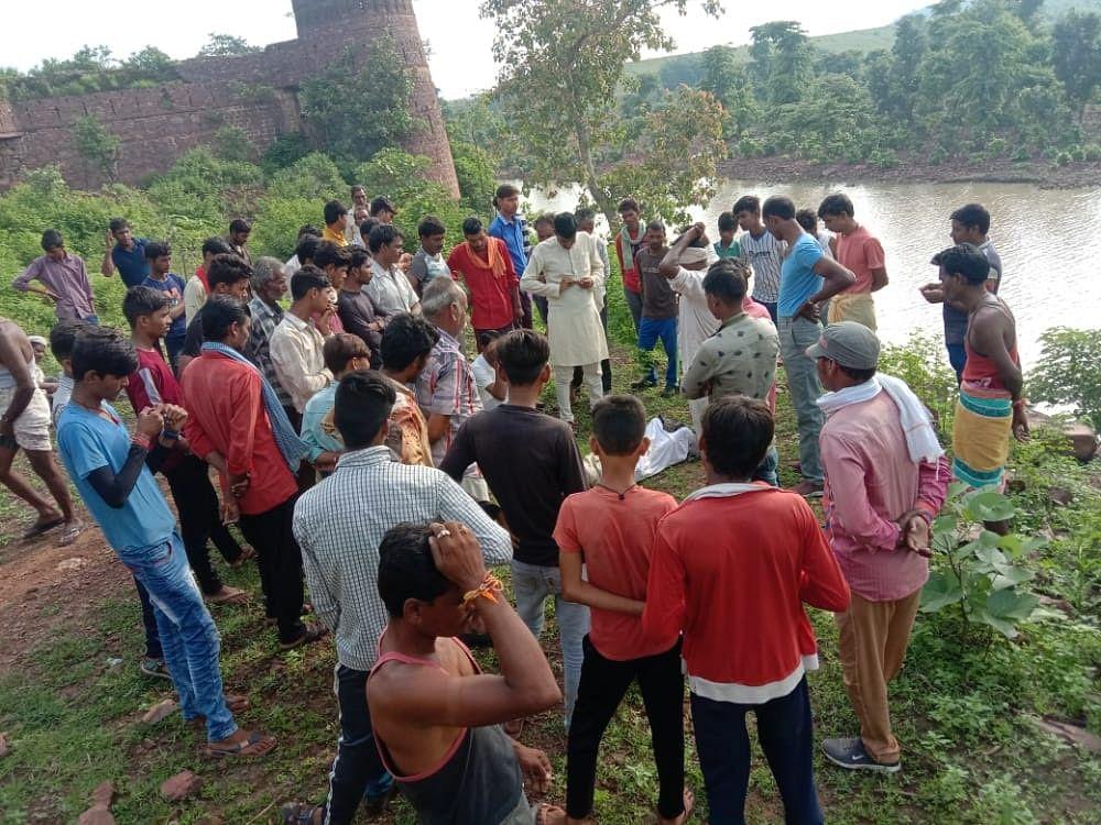 गुना: 12 वर्षीय बालक की नदी में डूबने से मौत, रातभर मछलियों ने कुतरे अंग