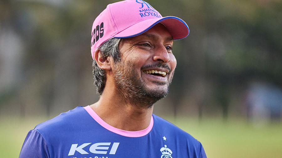 हम अपनी बल्लेबाजी के साथ ज्यादा चतुर नहीं हैं और हम यह जानते हैं : कुमार संगकारा
