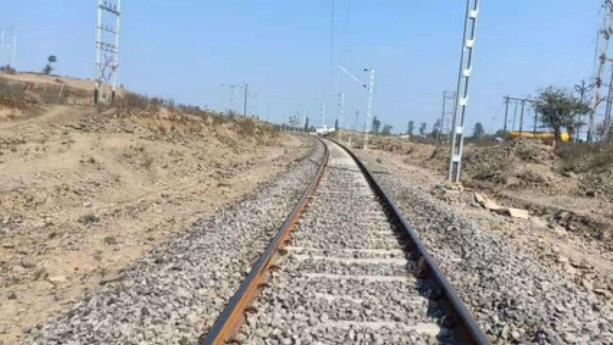 नीमच-रतलाम रेल लाइन दोहरीकरण से 32 लाख मानव दिवस का मिलेगा रोजगार
