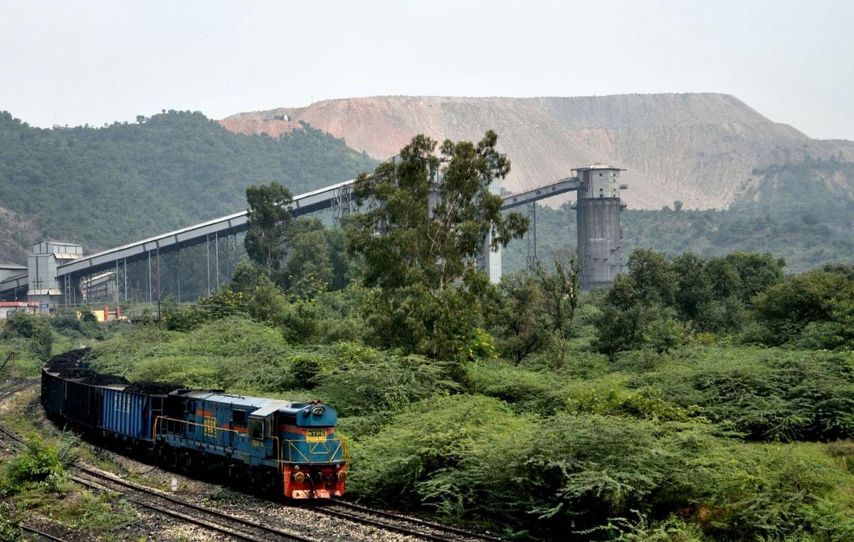 Singrauli : एनसीएल ने कोयला प्रेषण में सोमवार को स्थापित किए कई कीर्तिमान