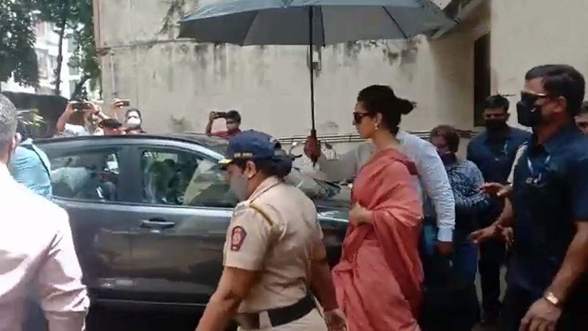 जावेद अख्तर मानहानि मामले में मुंबई की अदालत में पेश हुईं कंगना रनौत
