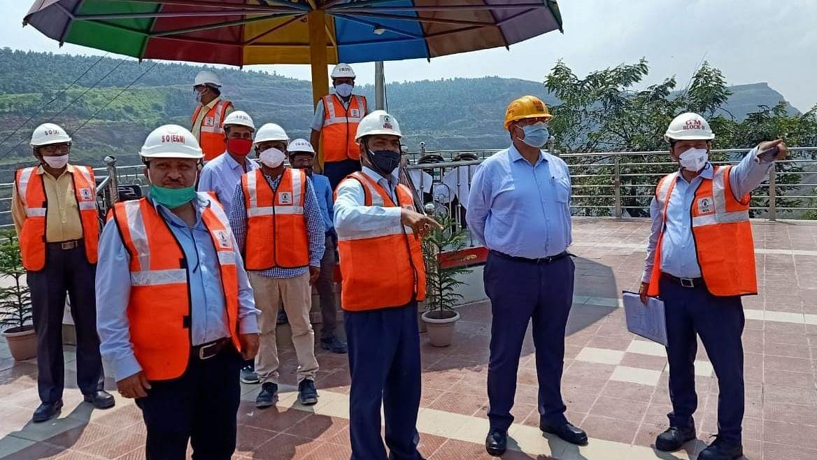 Singrauli : एनसीएल के निदेशकगण ने रविवार को किया खदानों का दौरा