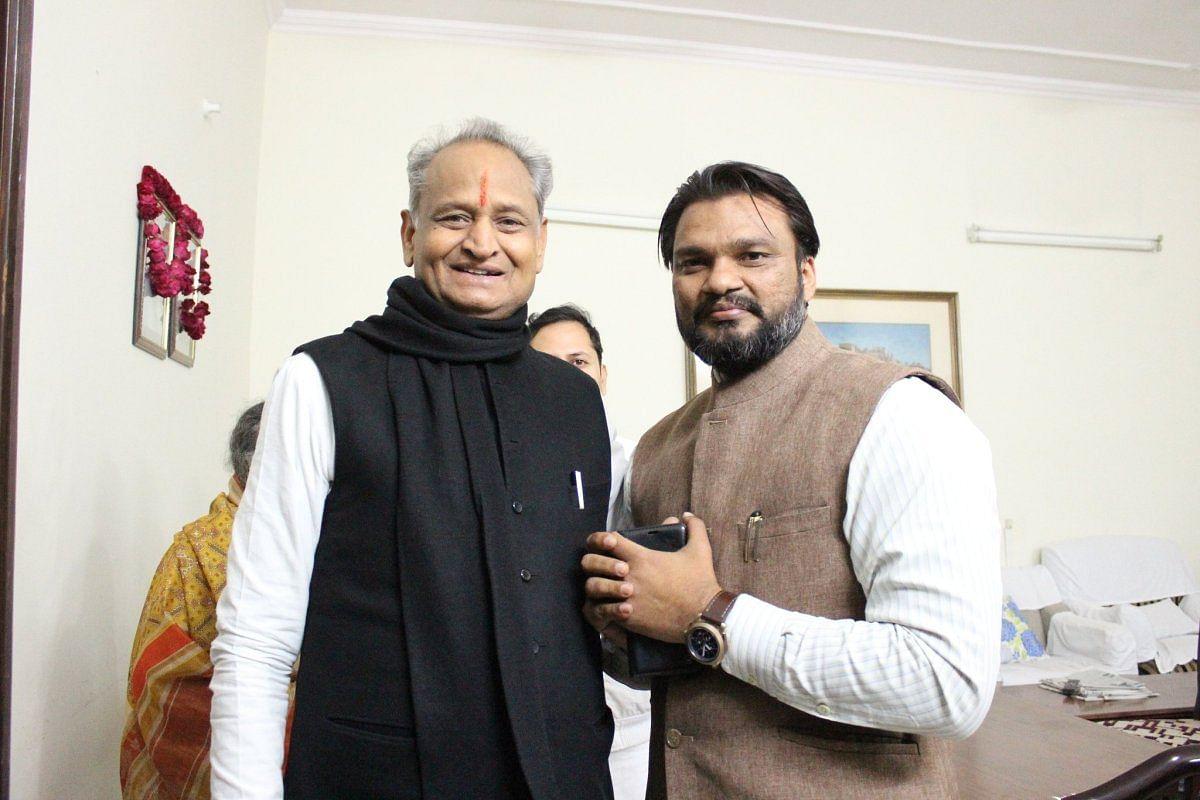राजस्थान कांग्रेस में भी सियासी हलचल तेज- CM गहलोत के OSD ने दिया इस्तीफा