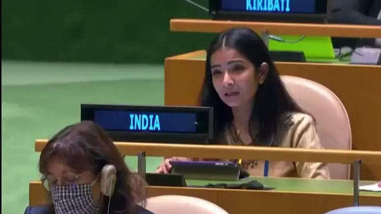 इमरान को भारत का करारा जवाब, कहा-फायर फाइटर के वेश में आगजनी करने वाला देश है पाकिस्तान