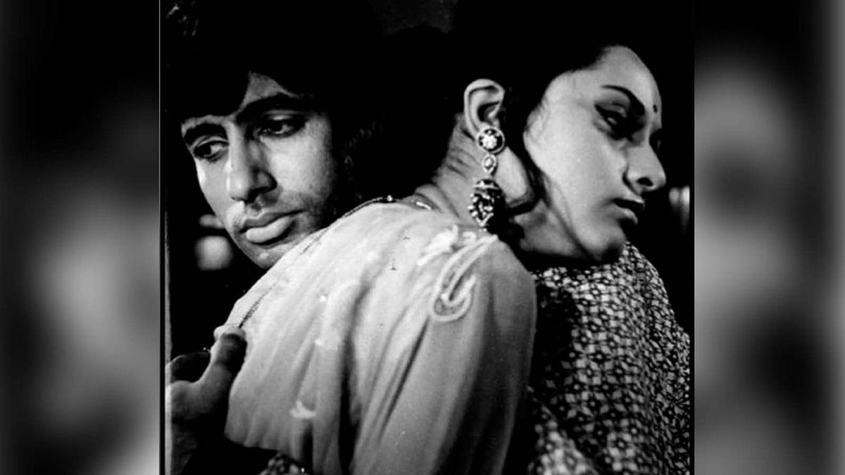 अमिताभ बच्चन ने शेयर की जया बच्चन के साथ 49 साल पुरानी फोटो, बेटी ने किया कमेंट