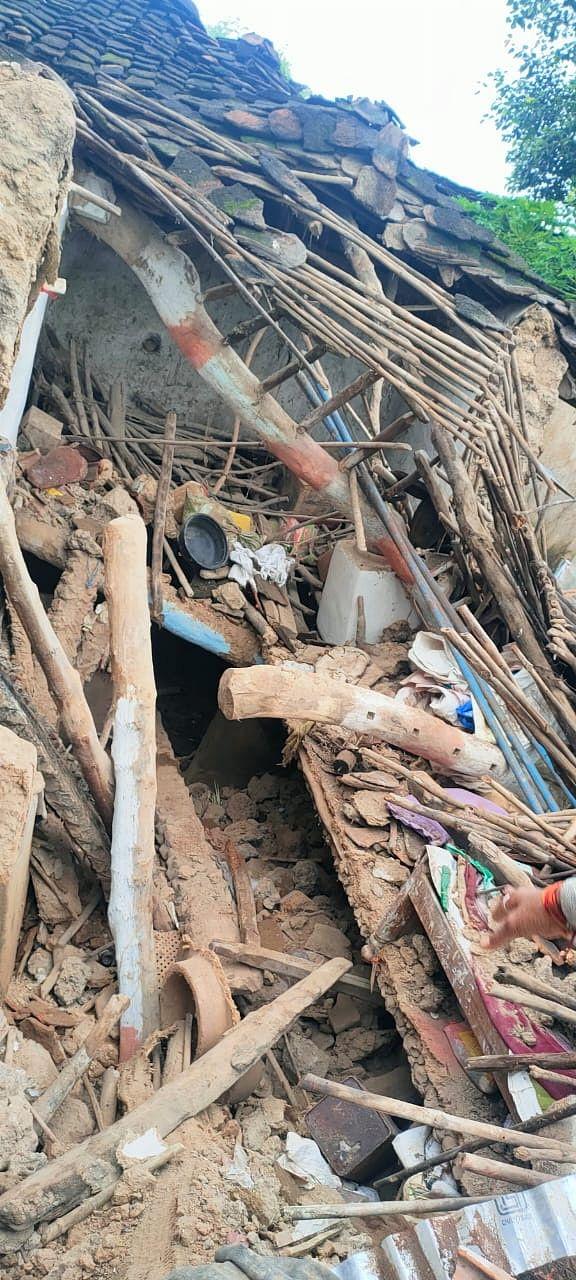 Ashoknagar : जमींदोज मकान बयां कर रहे पीएम आवास योजना की हकीकत
