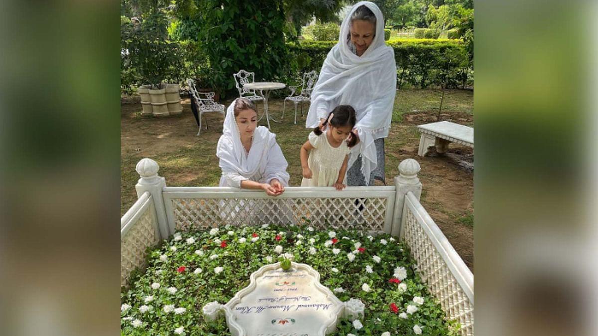 सोहा अली खान ने पिता की कब्र पर पढ़ी दुआ, बेटी इनाया भी आईं नजर