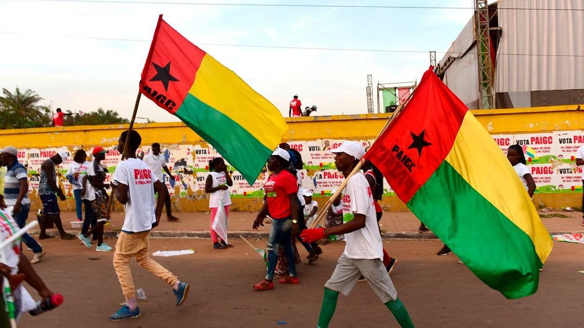 गिनी में सैन्य तख्तापलट, राष्ट्रपति भवन के पास गोलीबारी के बाद सरकार भंग