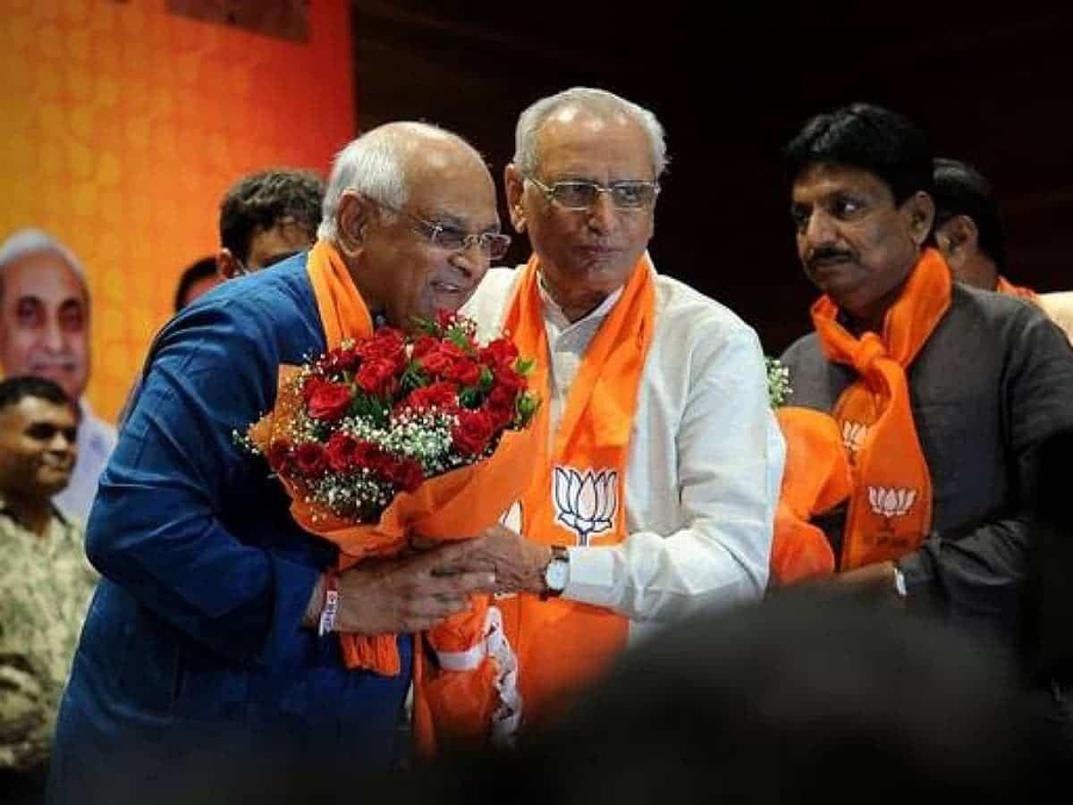 गुजरात में नए CM के रूप में भूपेंद्र पटेल ने ली शपथ- बधाई देने वालों का लगा तांता
