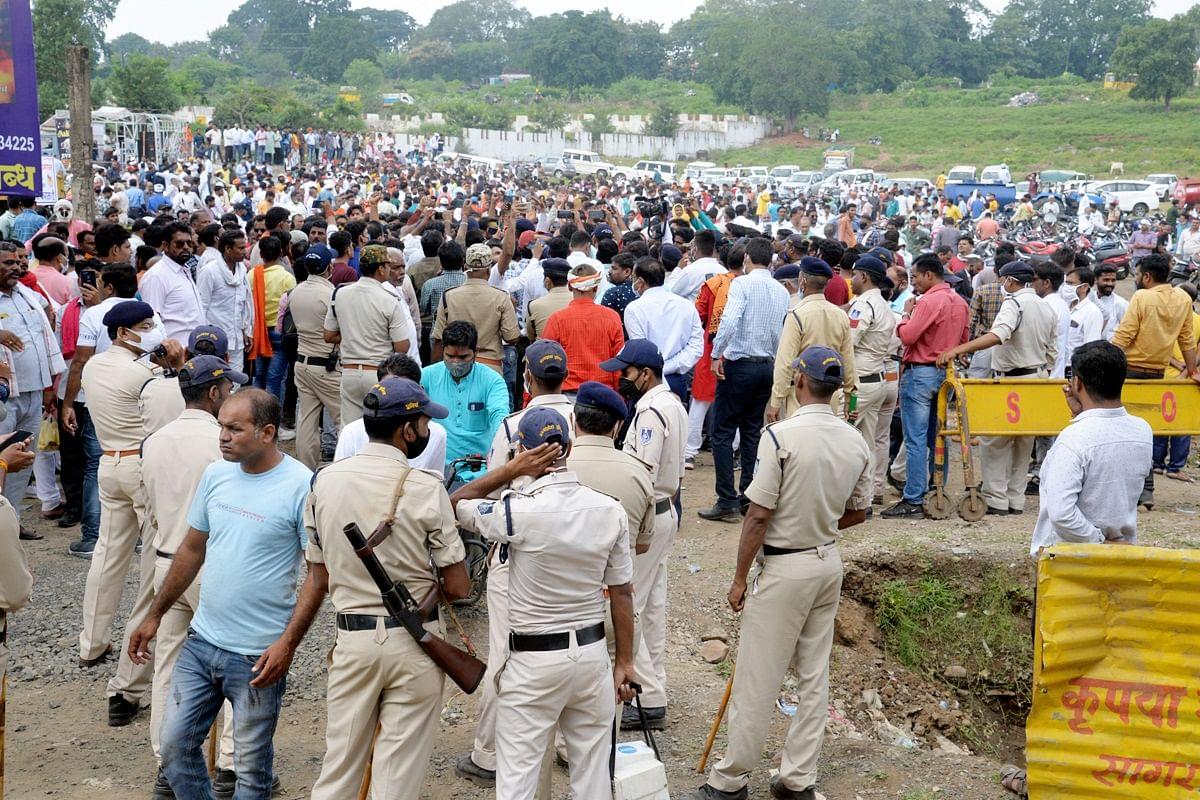 सेमरा लहरिया मामले को लेकर ब्राह्मण समाज ने किया प्रदर्शन