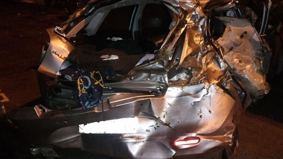 Indore: तेज रफ्तार कार डिवाइडर से टकराई- हादसे में एक की मौत, कई घायल